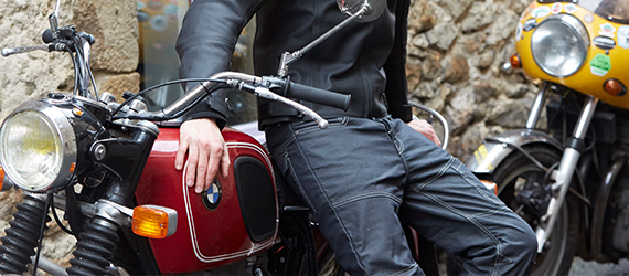 Soldes pantalon moto
